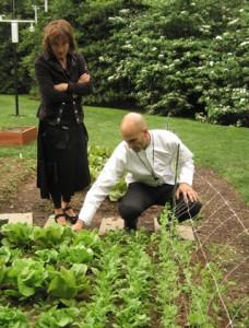 white house kitchen garden sam kass and nora pouillon